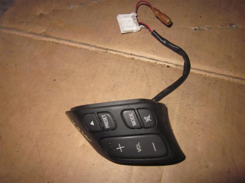 Кнопки на руль Mazda Atenza GY3W L3-VE