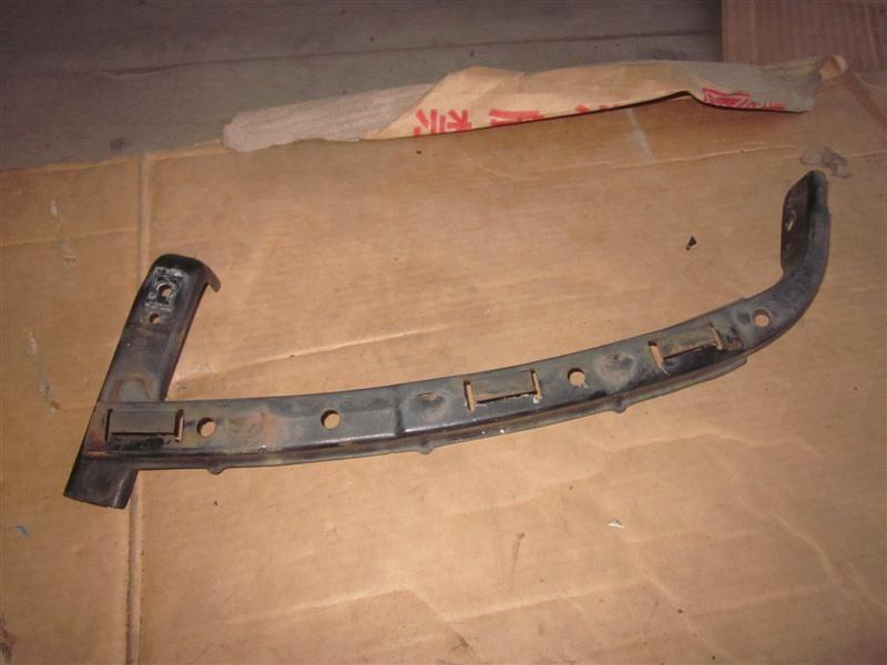 Планка под фары Honda Step Wagon RF3 K20A передняя левая