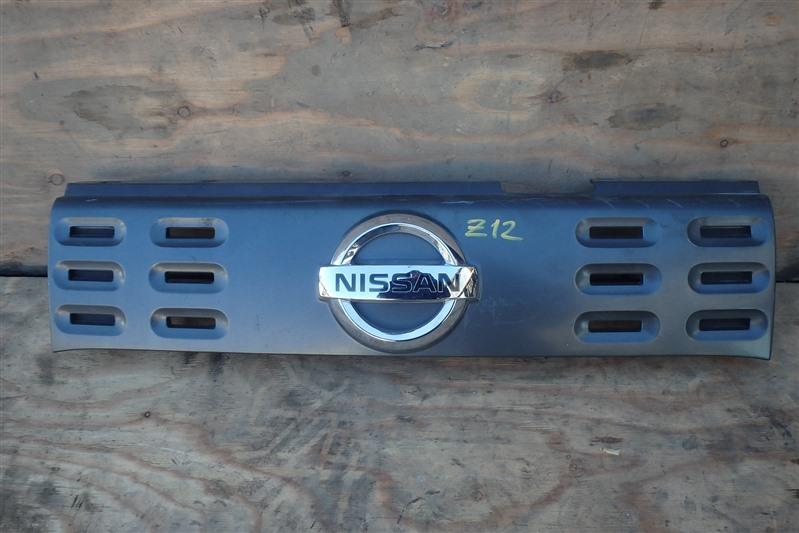 Решетка радиатора Nissan Cube Z12 HR15DE