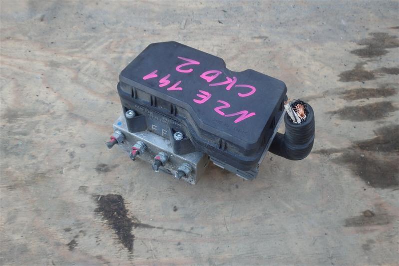 Блок abs Toyota Corolla Fielder NZE141 1NZ-FE