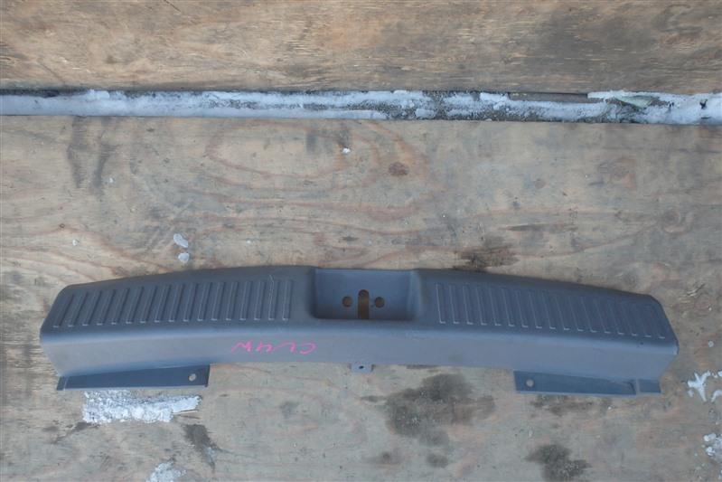 Накладка замка багажника Mitsubishi Airtrek CU4W 4G64