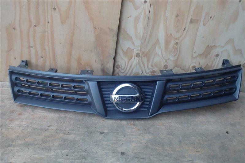 Решетка радиатора Nissan Wingroad Y12 HR15DE