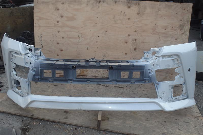Бампер Toyota Vellfire AGH30 2AR-FE передний