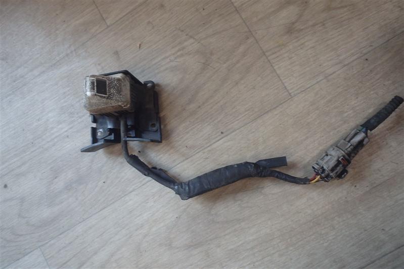 Камера заднего вида Toyota Ipsum ACM21 2AZ-FE передняя