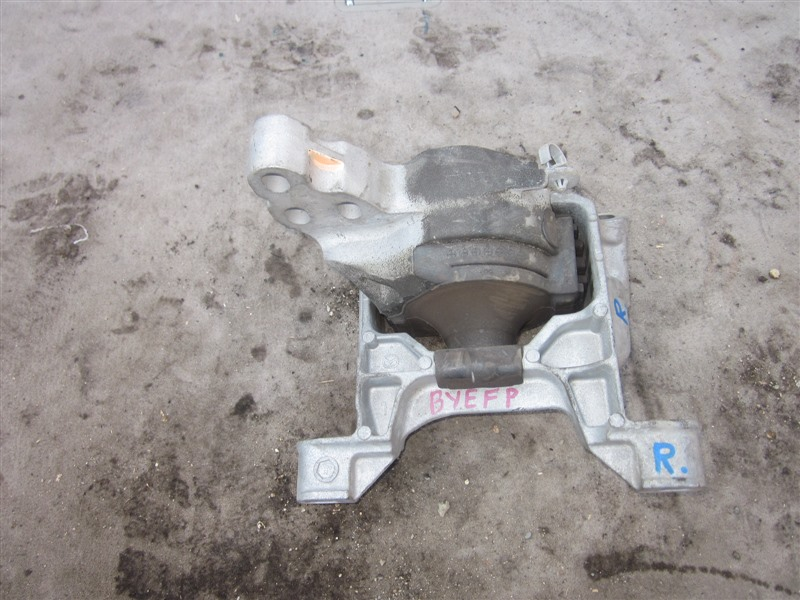 Подушка двигателя Mazda Axela Hybrid BYEFP PE-VPH 2014 правая
