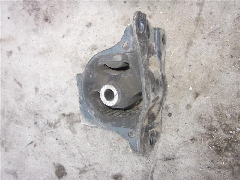Подушка двигателя Honda Odyssey RA6 F23A 2001 правая