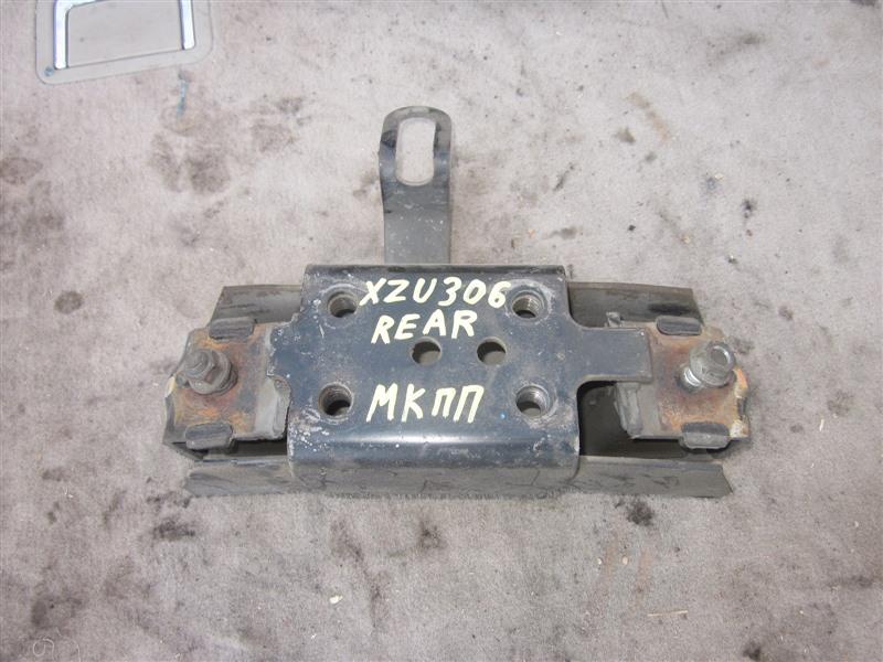 Подушка двигателя Hino Dutro XZU306 S05D-D задняя