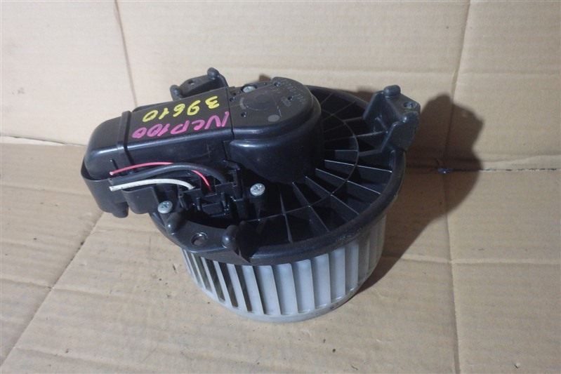 Мотор печки Toyota Ractis NCP100 1NZ-FE