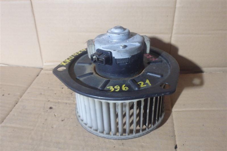 Мотор печки Hino Dutro XKU424 N04C-TE 2006