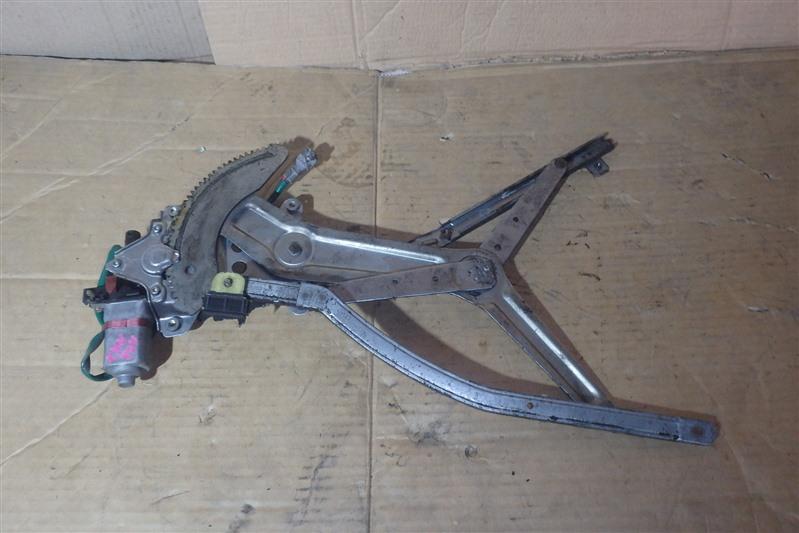 Стеклоподъемник Hino Dutro XKU424 N04C-TE 2006 передний правый