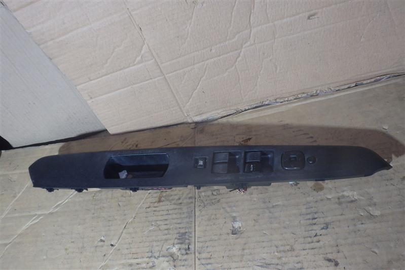 Блок управления стеклоподъемниками Mazda Verisa DC5W ZY-VE передний правый