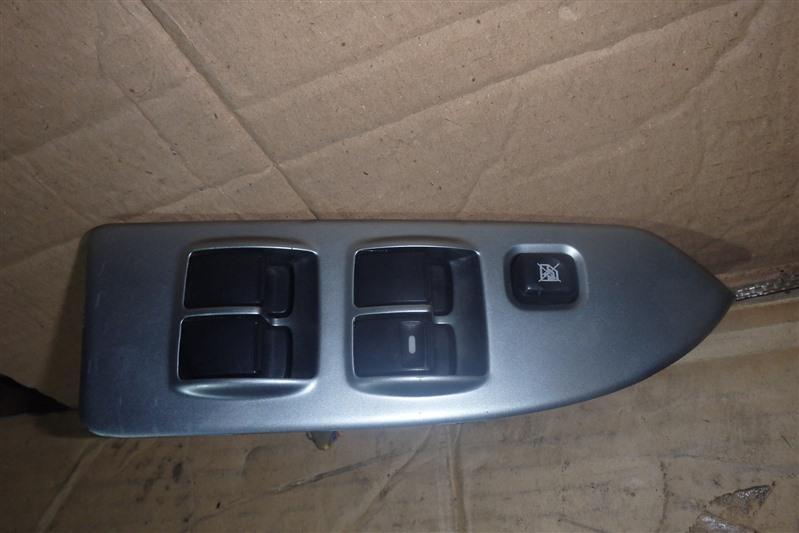Блок управления стеклоподъемниками Mitsubishi Colt Plus Z27W 4G15 передний правый