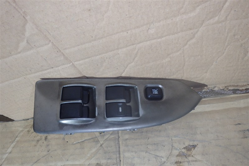 Блок управления стеклоподъемниками Mitsubishi Colt Z25A 4G19 передний правый