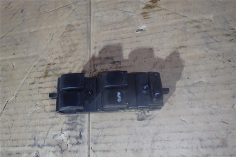 Блок управления стеклоподъемниками Suzuki Wagon R MC21S K6A передний правый