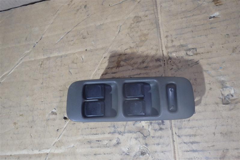 Блок управления стеклоподъемниками Suzuki Wagon R CT51S передний правый