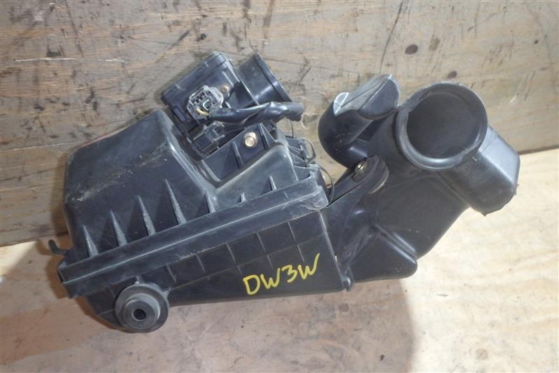 Корпус воздушного фильтра Mazda Demio DW3W B3-ME