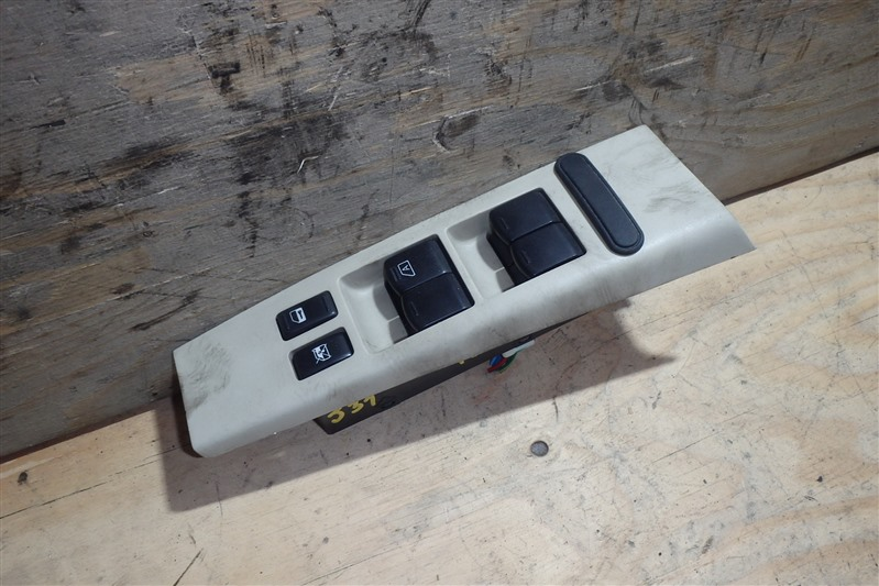 Блок управления стеклоподъемниками Nissan Teana J31 VQ23DE передний правый