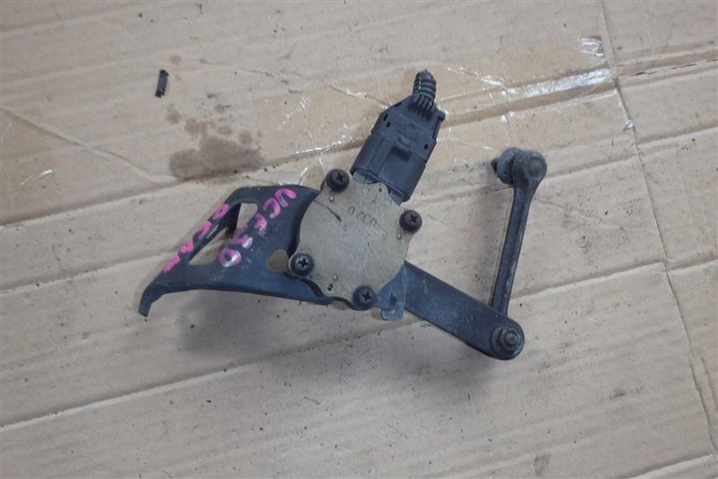 Датчик контроля высоты Toyota Celsior UCF30 3UZ-FE задний