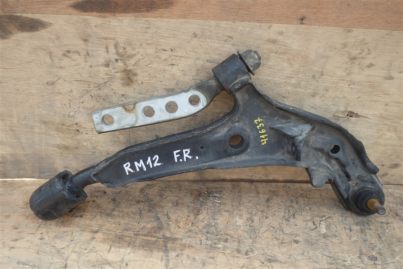 Рычаг Nissan Liberty RM12 QR20DE передний правый
