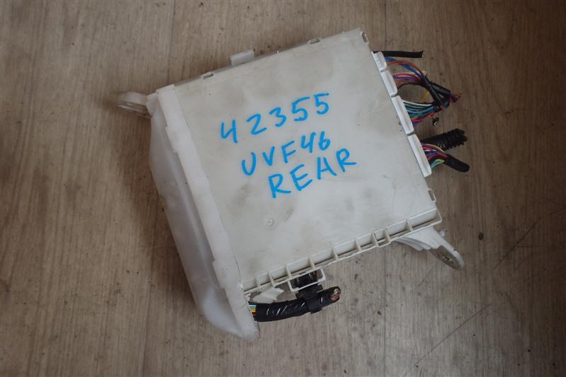 Блок предохранителей Lexus Ls600Hl UVF46 2UR-FSE 2011 задний