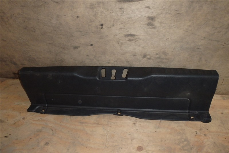 Накладка замка багажника Honda Civic EU1 D15B