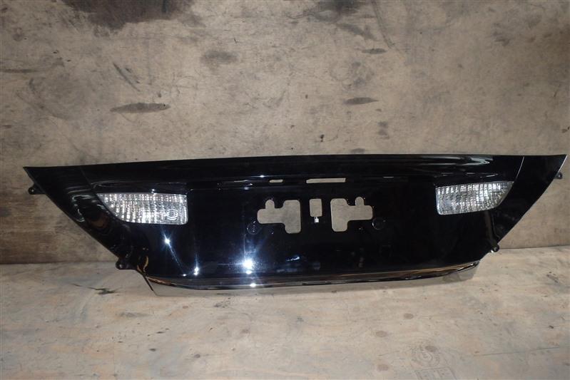 Накладка 5-й двери Toyota Vellfire ANH20 2AZ-FE задняя