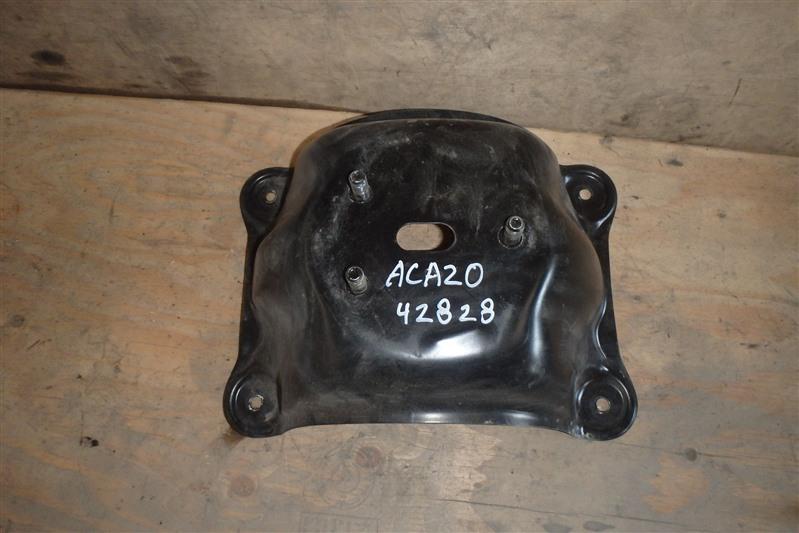 Крепление запаски Toyota Rav4 ACA20 1AZ-FSE