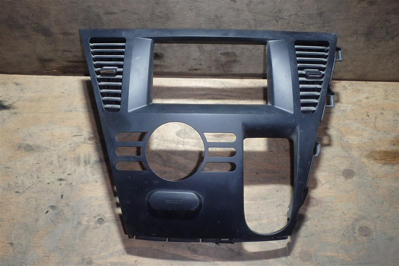 Консоль магнитофона Mazda Biante CCEFW LF-VD
