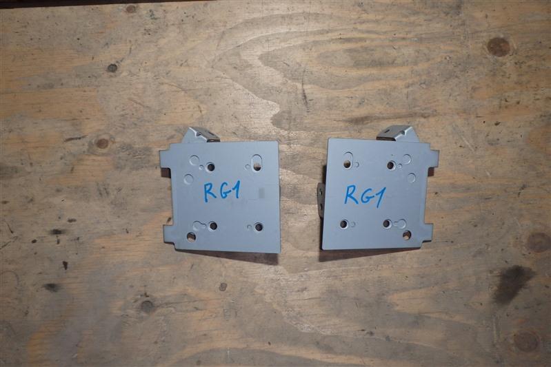 Крепление магнитофона Honda Step Wagon RG1 K20A