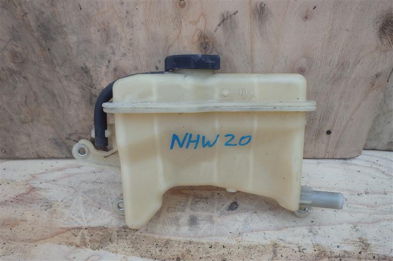Бачок инвертора Toyota Prius NHW20 1NZ-FXE