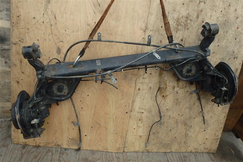 Балка задняя Nissan Serena C25 MR20DE 2009 задняя