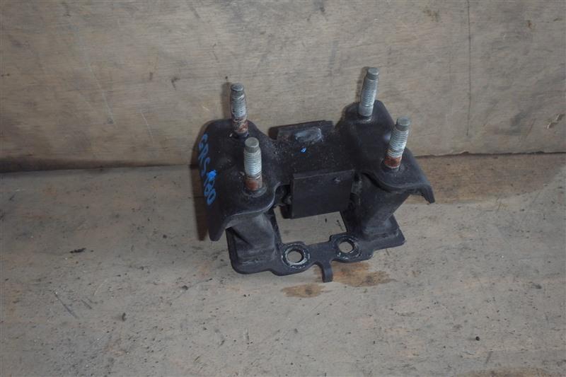 Подушка двигателя Toyota Crown GRS180 4GR-FSE задняя