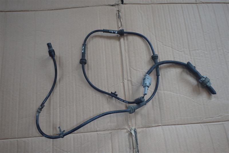 Датчик abs Nissan Dualis KJ10 MR20DE 2008 задний левый