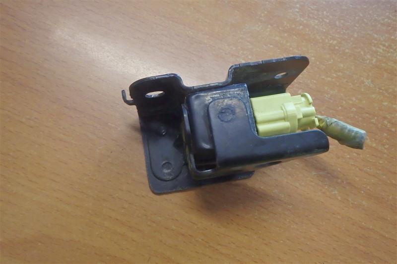 Датчик airbag Honda Civic EU1 D15B 2000 передний правый