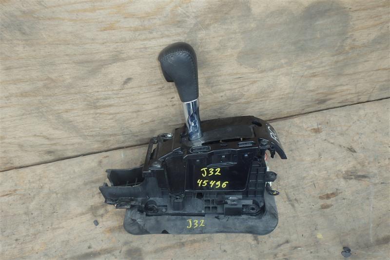 Рычаг переключения кпп Nissan Teana J32 VQ25DE 2010