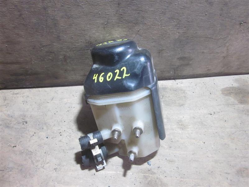 Бачок гидроусилителя Isuzu Elf NJR85 4JJ1