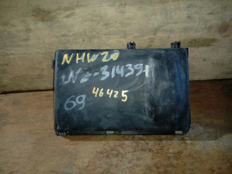 Корпус воздушного фильтра Toyota Prius NHW20 1NZ-FXE