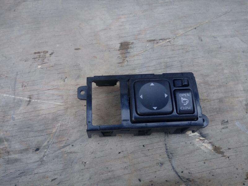 Блок управления зеркалами Nissan Serena NC26 MR20DD 2012
