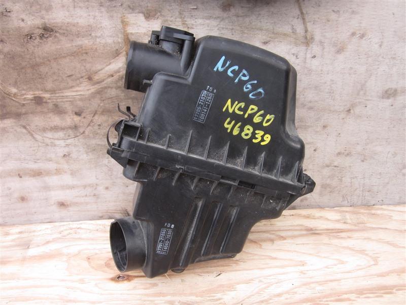 Корпус воздушного фильтра Toyota Ist NCP60 2NZ-FE 2002