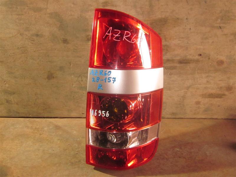 Стоп Toyota Noah AZR60 1AZ-FSE 2004 задний правый