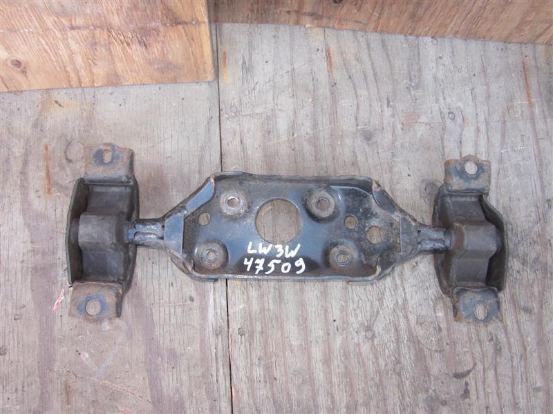 Крепление редуктора Mazda Mpv LW3W L3-VE 2004 заднее