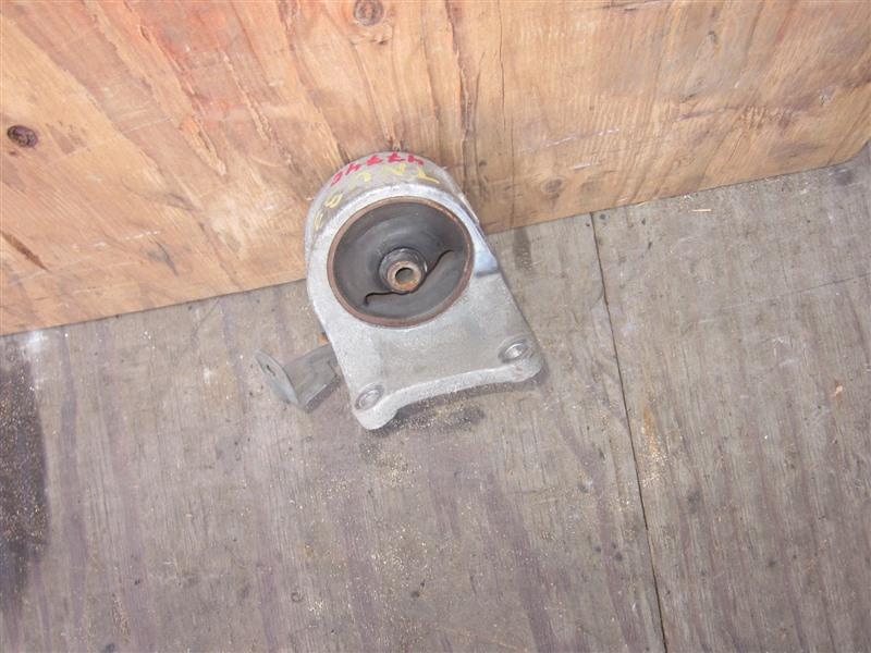 Подушка двигателя Nissan Presage TNU31 QR25DE 2004 левая