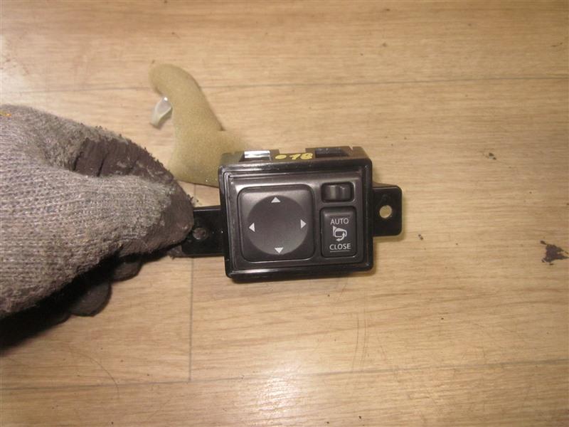 Блок управления зеркалами Nissan March K13 HR12DE 2011
