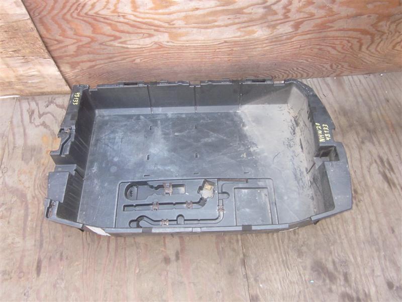 Ящик в багажник Toyota Prius NHW20 1NZ-FXE 2008