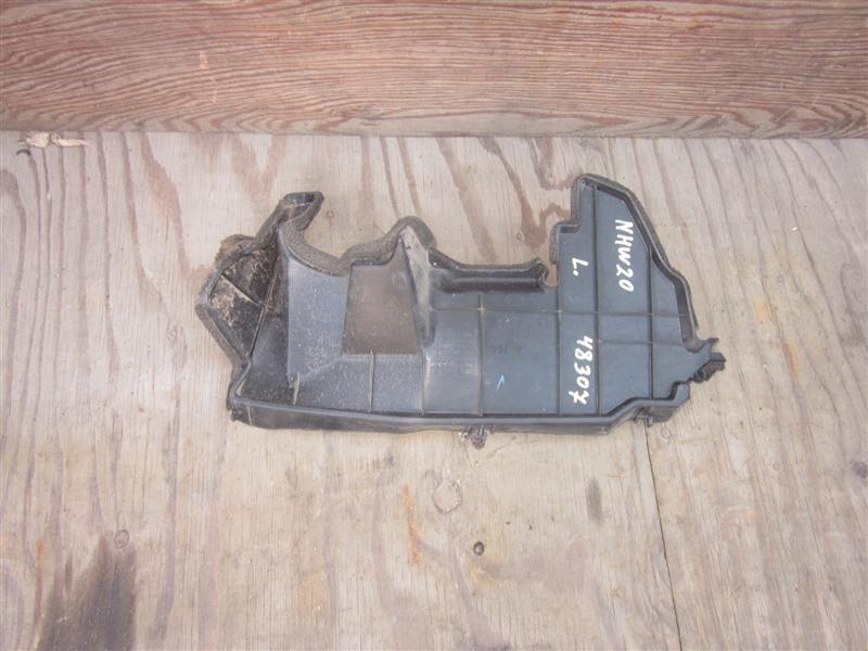 Дефлектор радиатора Toyota Prius NHW20 1NZ-FXE 2008 передний левый