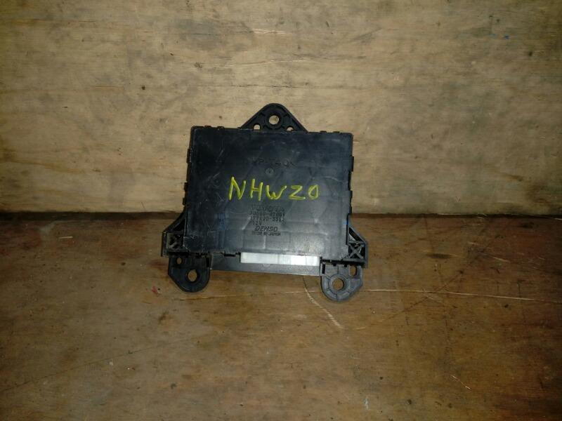 Блок управления кондиционером Toyota Prius NHW20 1NZ-FXE 2008
