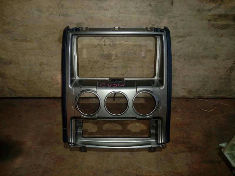 Консоль магнитофона Mitsubishi Delica D5 CV5W 4B12 2007