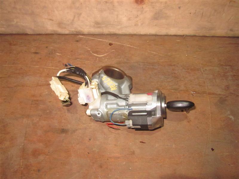 Замок зажигания Toyota Voxy AZR65 1AZ-FSE 2002