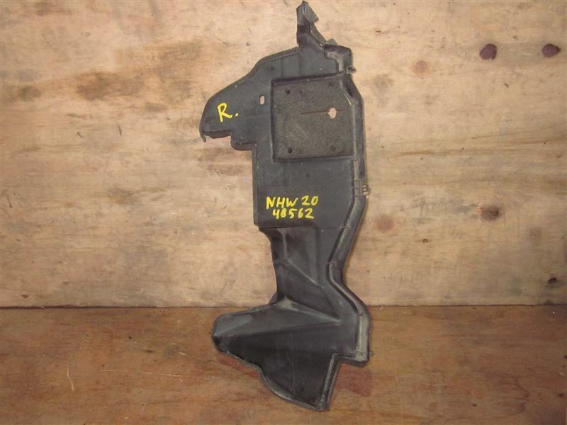 Дефлектор радиатора Toyota Prius NHW20 1NZ-FXE 2008 правый