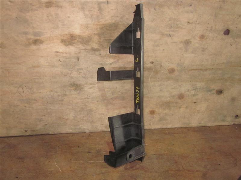 Дефлектор радиатора Nissan Presage TNU31 QR25DE 2004 левый